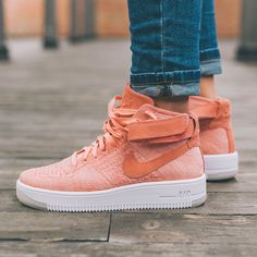 WMNS AIR FORCE 1 FLYKNIT 818018-802