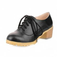$56.00 Cross Shoelace Cow Leather Thick Heel Low Shoes