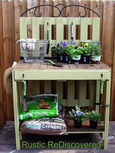 Pallets Potting Table Idea