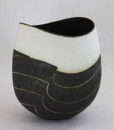 ceramic art by John Ward black and white vase Ceramic Bowls, Ceramic Pottery, Pottery Art, Pottery Bowls, Kintsugi, John Ward, Keramik Vase, Contemporary Ceramics, Modern Ceramics