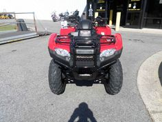 New 2017 Honda FourTrax® Rancher® 4x4 DCT IRS ATVs For Sale in North Carolina. Any mechanic, woodworker, tradesman or craftsman knows that the right tool makes the job a whole lot easier. And having the right tool means having a choice. We've all seen someone try to drive a screw with a butter knife, or pound a nail with a shoe heel. The results are never pretty. Honda's FourTrax Rancher line are premium tools for the jobs you need to do, whether that's on the farm, the jobsite…