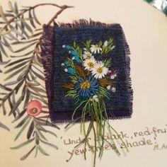 """꽃피우는화분 """"맵시를 가다듬고"""" 조그만작품이지만 어제와 오늘은 다르다 #생명력을넣어꽃을피우는사람이고싶어 Embroidery 3d, Textiles, Harris Tweed, Embroidered Flowers, Home Art, Fiber Art, Crochet Hats, Elsa, Quilts"""