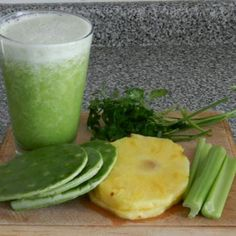 Jugo Verde | 2 C pineapple,  1/2 C parsley,  1 rib celery,  2 leaves cactus