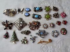 Vintage Brooches Earrings Broken Lisner Florenza Repairs Parts Repair #LisnerFlorenza