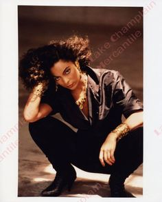 Jasmine Guy In This All Black Outfit and Hairstyle Lures You In With Her Beauty and Sex Appeal With The Gold Accessories Not Being Too Overpowering. Female Actresses, Actors & Actresses, Black Actresses, Jasmine Guy, Bombshell Beauty, Vintage Black Glamour, Online Photo Gallery, Queen Hair, Beautiful Black Women
