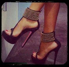 #woman #sexy #heeled #feet #sandals #wd57 #walsat #fb