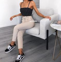 Hosen # – Outfits 2019 Outfits casual Outfits for moms Outfits for school Outfits for teen girls Outfits for work Outfits with hats Outfits women Cute Fashion, Look Fashion, Teen Fashion, Fashion Outfits, Fashion Trends, Fashion Mode, Fashion Pics, Spring Outfits, Trendy Outfits