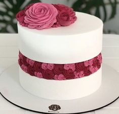 Cakes To Make, Fancy Cakes, How To Make Cake, Unique Cakes, Creative Cakes, Gorgeous Cakes, Amazing Cakes, Whipped Cream Cakes, Delicious Donuts