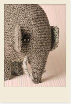 Crème de la Crème à la Edgar — Knitted elephant