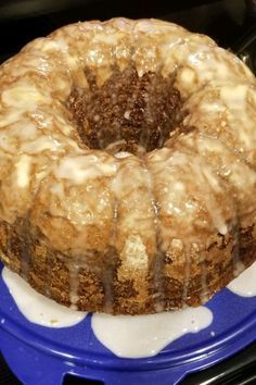 This moist bundt cake is laden with pineapple, bananas, maraschino cherries and nuts. Frosting is unnecessary on this cake for a crowd. Dessert Simple, Cookies Et Biscuits, Cake Cookies, Food Cakes, Cupcake Cakes, Rose Cupcake, Easy Desserts, Dessert Recipes, Cake Mix Desserts