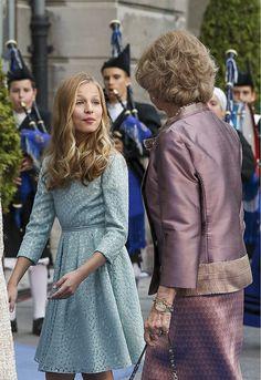 Princess Letizia, Queen Letizia, Princess Sofia, Kids Dress Clothes, Tennis Clothes, Royal Fashion, Girl Fashion, Estilo Jackie Kennedy, Princess Star