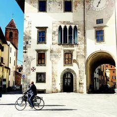 Sunny day in Pisa! It seems to live in small city where you can ride your bike and have anything to be worried about  #igerspisa #pisa #visitpisa#bellamìpisa #vivopisa #igerstoscana #whatitalyis#browsingitaly #exclusiveshot #ink361 #huntgram#guardiantravelsnaps #huffpostgram #huntgramitaly #shotaward #seetoshare #tv_living#neverstopexploring  #urbanpeek #archilover #justgoshoot #bikesinflorence #bike #bikesinpisa by mirkz84