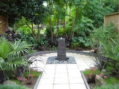 My home garden water feature and courtyard garden by Caroline Wesseling landscapes