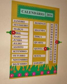 Calendário feito de papel cartão, detalhes de papel sulfite colorido e prendedores de roupa com detalhes em E.V.A. School Calendar, Kids Calendar, Calendar Design, Class Decoration, School Decorations, Art For Kids, Crafts For Kids, Kindergarten Learning, Kids Education