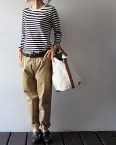 chinos, sailor striped tee and canvas bag. very japanese style Tomboy Fashion, Look Fashion, Autumn Fashion, Fashion Design, Fashion Trends, Tomboy Style, Bon Look, Style Simple, Moda Boho