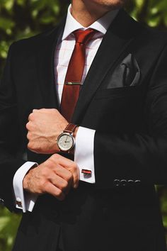 Why men's accessories are a game changer gentleman style ins Gentleman Mode, Gentleman Style, Sharp Dressed Man, Well Dressed Men, Suit Fashion, Mens Fashion, Fashion Outfits, Luxury Fashion, Mode Man