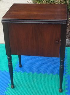 Empty Vintage Singer Sewing Machine Cabinet Table Fits