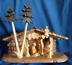 MUSICAL WOODCARVED NATIVITY~OBERAMMERGAU GERMANY~REUGE MUSIC BOX SILENT NIGHT