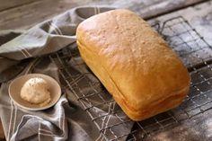 Gee ons vandag ons daagse brood - Boesmanland LangtafelHierdie brood word nog op die ou manier gebak, sonder enige fieterjasies! South African Recipes, Recipe Cards
