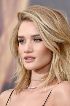 Loving Rosie Huntington-Whiteley's textured lob hairstyle
