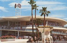 Carousel of Progress at Disneyland, ca. 1960's. This should have never been taken out. The various things that have occupied the building since are not up to former Disney standards.