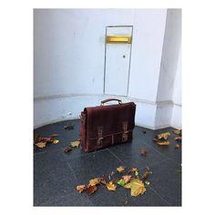 Wir wünschen euch einen wunderschönen Samstag  | http://ift.tt/2uOOXSF #stadthimmel #samstag #samstagabend #wochenende #hochdiehändewochenende #endlichwochenende #saturdayfun #saturday #weekend #weekender #hamburg #hh #berlin #münchen #dortmund #hans #november #frei #hallo #herbst #diewocheaufinstagram #vintagestyle #vintagebag #business #workworkwork #wasgeht #glücklich #happy #kalt #heute