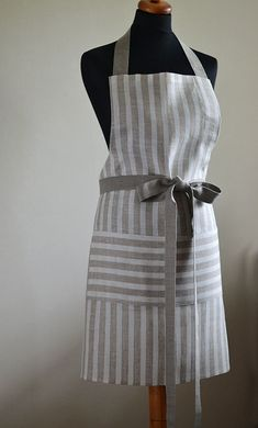 Linen Apron Striped Full Apron Natural Linen Apron Foodie Gift Apron Tan With White Traditional Apron With One Big Pocket Eco Apron Sewing Aprons, Sewing Clothes, Modern Aprons, Cafe Apron, Gardening Apron, Café Bar, Linen Apron, Apron Designs, Aprons