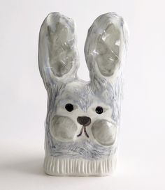 Ceramic sculpture by Jenni Tuominen.
