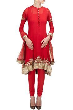 Red embroidered kurta set BY ANAND KABRA. Shop now at perniaspopupshop.com #perniaspopupshop #clothes #womensfashion #love #indiandesigner #anandkabra #happyshopping #sexy #chic #fabulous #PerniasPopUpShop #ethnic #indian