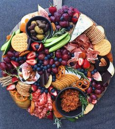Drool-worthy grazing tables and platters for your next event - Eat Canberra Breakfast Platter, Breakfast Buffet, Food Platters, Cheese Platters, Cheese Appetizers, Appetizers For Party, Antipasto, Best Cheese Platter, Grazing Platter Ideas