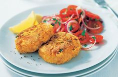 A simple Easy tuna fishcakes recipe for you to cook a great meal for family or friends. Buy the ingredients for our Easy tuna fishcakes recipe from Tesco today.