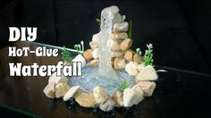 30 Fantastic Stone DIYs and Hacks (Video) Glue Gun Projects, Glue Gun Crafts, Diy Crafts, Fairy Fountain, Diy Waterfall, Cactus E Suculentas, Mini Fairy Garden, Creation Deco, Miniature Fairy Gardens