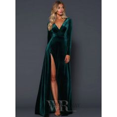 A beautiful full length dress by Elle Zeitoune. A velvet gown featuring a deep v-neckline and high side split. Elegant Dresses, Pretty Dresses, Beautiful Dresses, Formal Dresses, Long Sleeve Formal Dress, Split Prom Dresses, Vestidos Velvet, Velvet Bridesmaid Dresses, Velvet Wedding Dresses