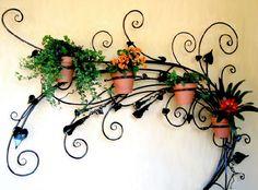 http://satmythuat.com.vn/fckFiles/Wrought-Iron-Decorative-Rack-sat-nghe-thuat-chau-hoa(1).jpg