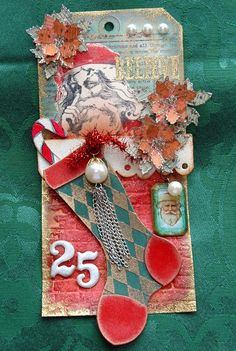 Candy Colwell: Stocking Stuffer die http://candycreates.blogspot.com/2012/12/tim-holtz-inspired-christmas-tag.html