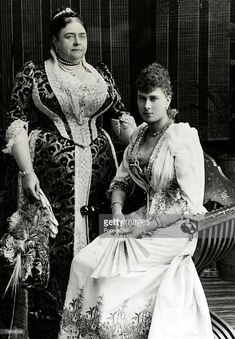 circa Princess Mary of Teck, who was to become Queen Mary the Queen Consort of King George V, pictured with her mother the Duchess of Teck Get premium, high resolution news photos at Getty Images Queen Victoria Family, Princess Victoria, Princess Mary, Windsor, Prinz Philip, Reine Victoria, Elisabeth Ii, English Royalty, Queen Of England