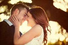 Engagement Photo Ideas: 10 Posing Tips from the Pros | The SnapKnot Blog