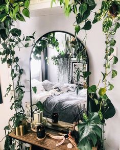 Room Ideas Bedroom, Bedroom Themes, Bedroom Decor, Bedroom Inspo, Bedroom Furniture, Bedroom Inspiration Cozy, 60s Bedroom, Hippie Bedrooms, Furniture Design