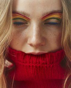 Sales Mômes (Le Monde M Magazine) Alice First Makeup Inspo, Makeup Inspiration, Fashion Inspiration, Professional Makeup Bag, Graphic Makeup, Eyeliner Looks, Everyday Makeup, Colorful Makeup, Beauty Photography