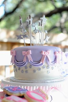 A Royal Princess Party: The beautiful royal princess cake!