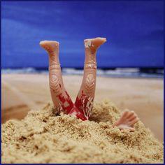Dans le Buzz de Phosphore : Lors d'une compétition sur une place australienne, un concurrent qui s'ennuyait, a creusé un trou dans le sable et il a bien failli être enseveli...