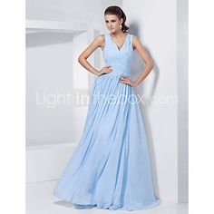 TS Couture® Prom / Formal Evening / Military Ball Dress - Elegant Plus Size / Petite A-line / Princess V-neck Floor-length Chiffon with Beading    199514 2016 –  $109.99