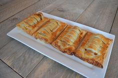 Frikandelbroodjes zijn superlekker! Maak ze nu zelf met dit eenvoudige recept! Ik houd ervan! - Zelfmaak ideetjes