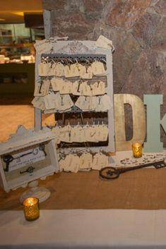 Ideas originales para que tus invitados no se queden sin silla #casamientoscomar #casamientos #argentina #amor #wedding #invitados #deco #inspiracion #ideas #seatingplans Jenga, Planer, Firewood, Deco, Seating Plans, Ideas Originales, Texture, Toys, Crafts