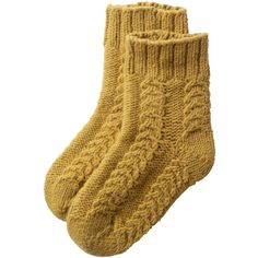 Toast Cable Knit Short Socks ($29) ❤ liked on Polyvore featuring intimates, hosiery, socks, accessories, socks and tights, socks/tights, women, thick cable knit socks, cable socks and tennis socks