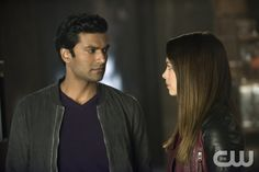"""Beauty and the Beast -- """"Catch Me If You Can"""" -- Image Number BB215a_0338 – Pictured (L-R): Sendhil Ramamurthy as Gabe and Kristin Kreuk as Catherine — Photo: Christos Kalohoridis/The CW -- © 2014 The CW Network, LLC. All rights reserved."""