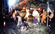"""Last week, a group of eight miners in an Australian gold mine performed #HarlemShake while at work with their safety gear clothes, now they have lost their jobs because of the dance. The West Australian newspaper reported that the workers that performed the dance and some of those who just watched were fired. The company said that what the miners did was a break of its """"core values of safety, integrity and excellence""""."""