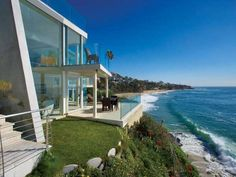 glass walls facing the beach | ... Residence 1 Laguna Beach Residence Sports Semi Transparent Glass Walls