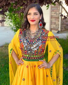 nasreen (@simplynasreen__) • Instagram photos and videos Afghan Clothes, Queen Outfit, Hair Makeup, Sari, Muslim Fashion, Photo And Video, The Originals, Videos, Pakistani