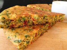 CORNMEAL CHIVE SKILLET BREAD Skillet Bread, Light Side, Quiche, Healthy, Breakfast, Kitchen, Food, Morning Coffee, Cooking